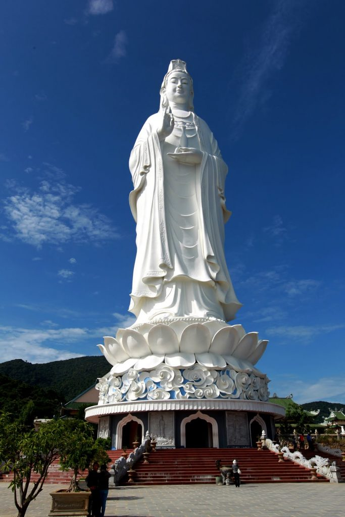 Linh Ung Tu temple