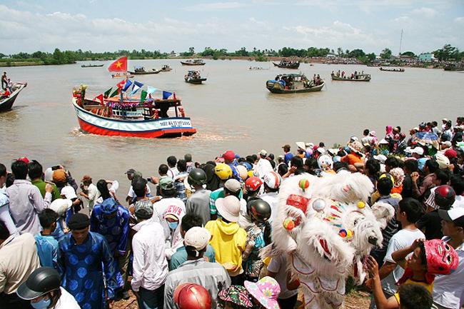 Tra Vinh set for whale worsh fest