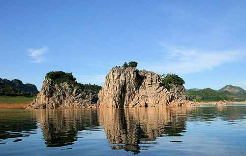 Visiting picturesque Thung Nai in Hoa Binh Province