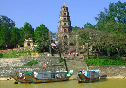 Thien Mu Pagoda – the best ancient pagoda in Vietnam