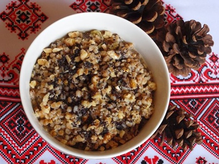 Traditional Christmas foods around the world